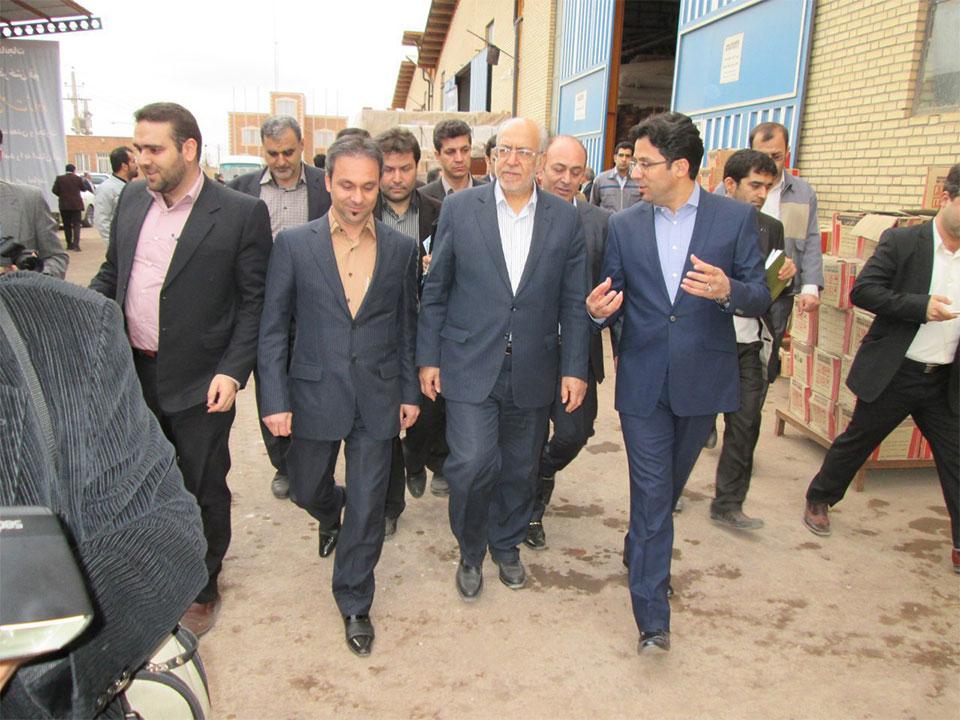 بازدید وزیر صنعت، معدن و تجارت از کارخانجات گروه بین المللی آذرخش