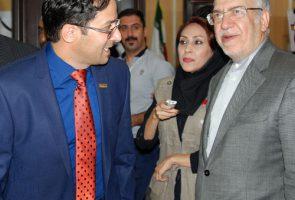 بازدید وزیر صنعت معدن تجارت از غرفه شرکت آذرخش