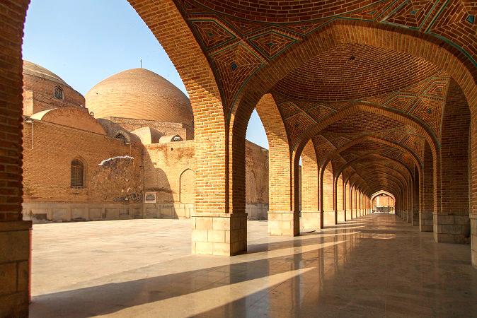 دلایل محبوبیت آجر در معماری ایرانی و تاریخچه آجر
