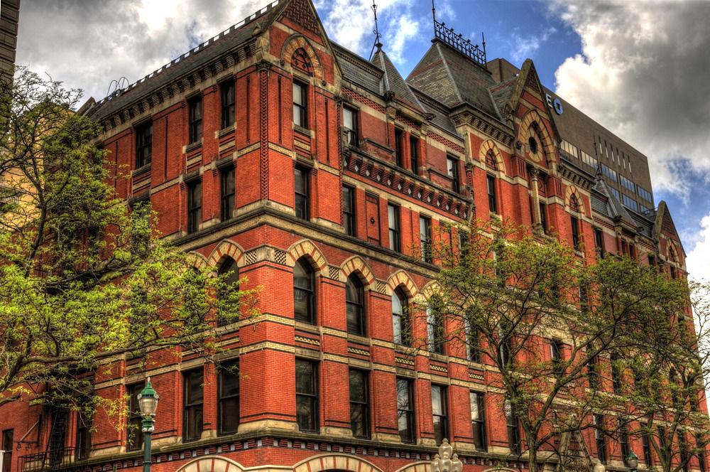 تاریخچه آجر و نمونهای از معماری آجری در آمریکا