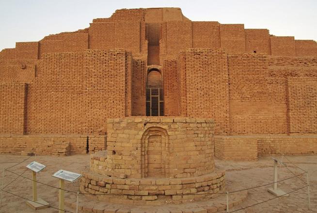 نمای شاهکار معماری آجری زیگورات چغازنبیل