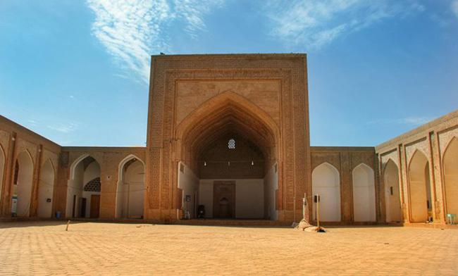 مسجد گناباد نمونه معماری آجری و آجرکاری دوران خوارزمشاهیان