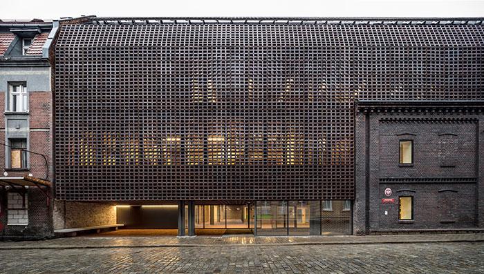 دانشکده رادیو و تلویزیون دانشگاه سیلسیا از برندگان مسابقه معماری آجری وینربرگر 2020