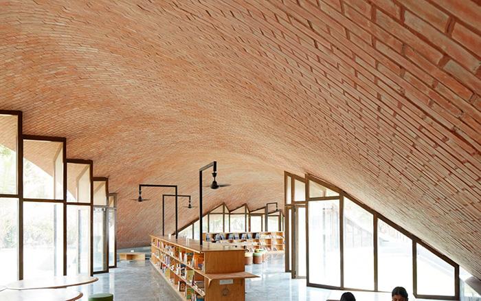 کتابخانه مایا سومایا هند برنده مسابقه معماری آجری وینربرگر 2020
