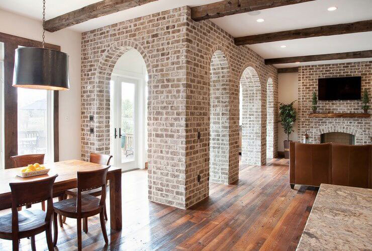 کاربرد آجر در ستون و دروازه ورودی خانه برای زیبایی دکوراسیون داخلی