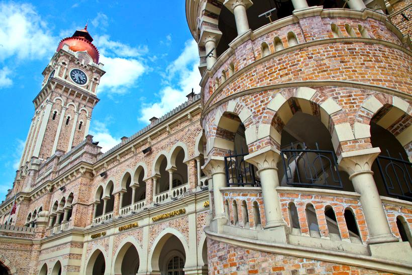 عمارت عبدالصمد ساختمانهای آجری معروف در مالزی