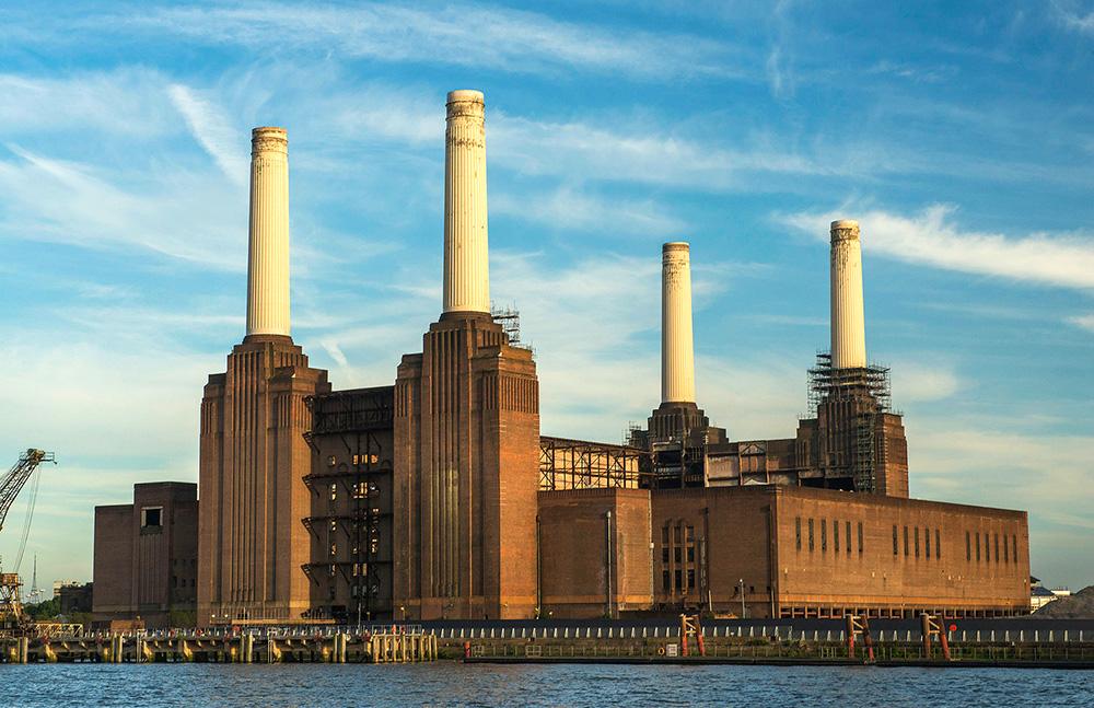 نیروگاه بترسی لندن از ساختمانهای آجری معروف